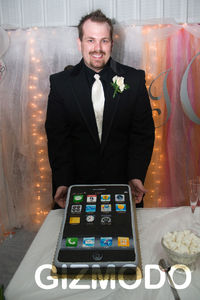 iphone-wedding-cake.jpg 804×1206 pixels