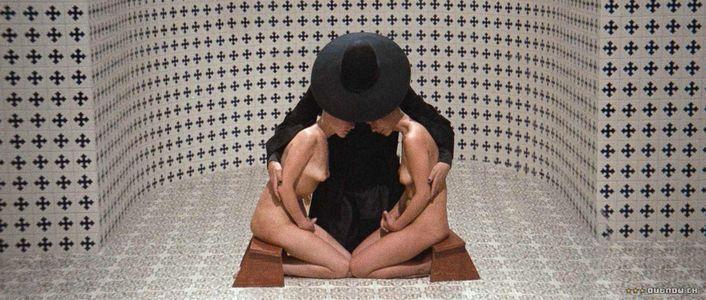holymountain.jpg (JPEG Image, 1400x595 pixels)