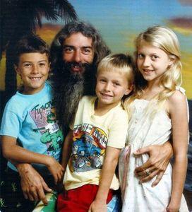 1988-family.jpg 363×400 pixels