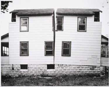 gordon-matta-clark.jpg 800×643 pixels