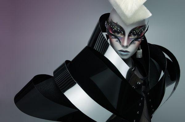 Paco Peregrín - Alien Dolls | Definitive Touch