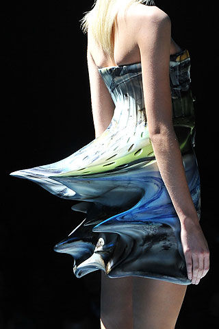 Flickr Photo Download: o9ss Hussein Chalayan