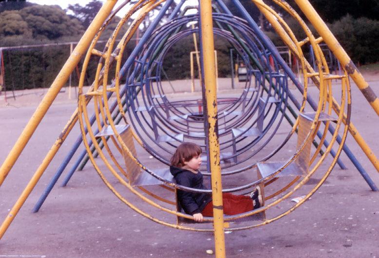 Téléchargement de photo Flickr : Eron at Childrens Playground - January 1972