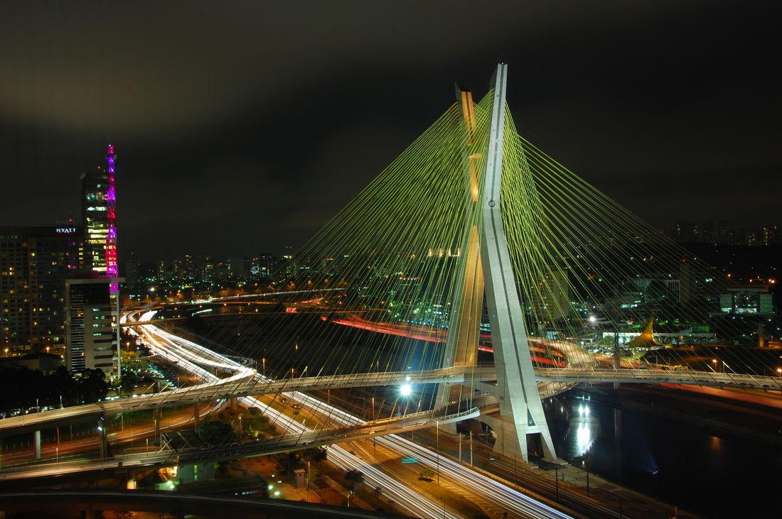 Ponte_estaiada_Octavio_Frias_-_Sao_Paulo(1).jpg 3008×2000 pixels