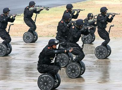 segway-anti-terror_684090n.jpg 613×451 pixels