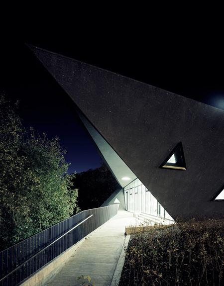 Zaha Hadid Architects » MAGGIE'S CENTRE FIFE