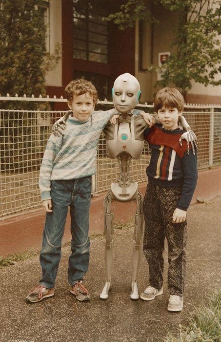 Childhood Friends.jpg 453×700 pixels