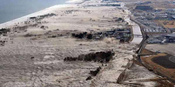 031111_tsunamijapan.jpg 1200×600 pixels