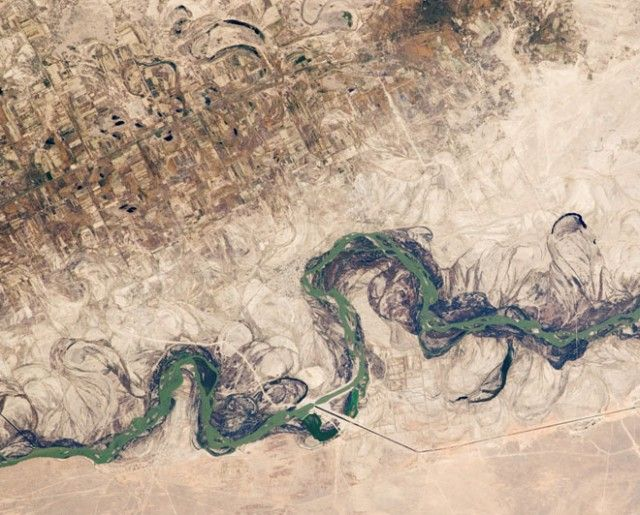 """Strangely """"Digital"""" Agricultural Landscapes Seen From Space"""
