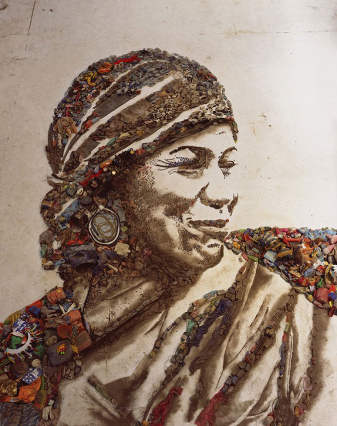 Vik Muniz Waste Land — Designaside.com