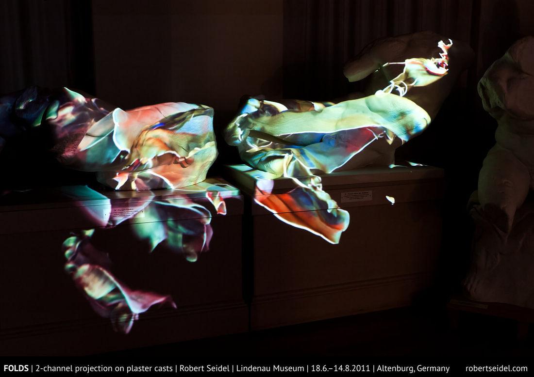 2minds.de | robert seidel | folds | projection on plaster casts | 6