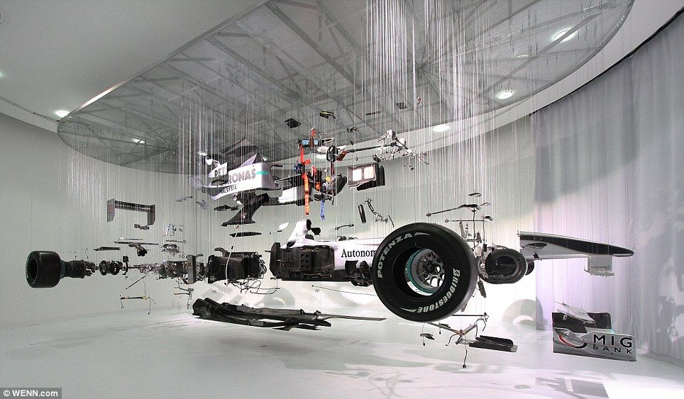 f1-car-exploded-view.jpg 964×563 pixels