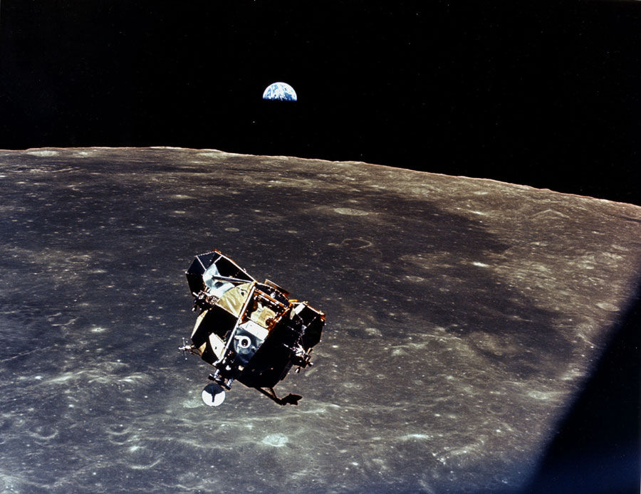 apollo11return_nasa.jpg 900×694 pixels