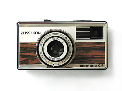 zeissikonikomaticcf01.jpg 640×480 pixels