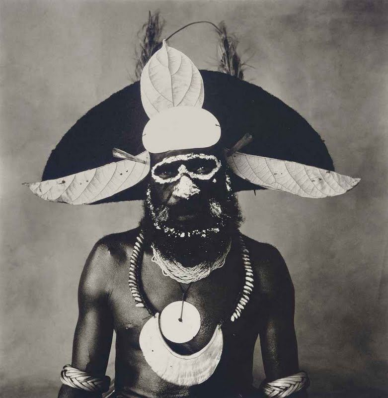 irving_penn_new_guinea_man_with_painted-on_glasses_1970_d5420726g