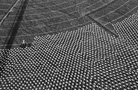 The Ivanpah Solar Project: Generating Energy Through Fields of Mirrors - LightBox