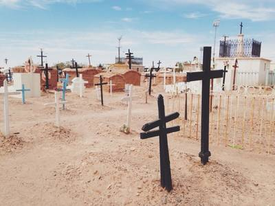 Cementerio by FRΛNCISCΛ PLΛZΛ G on VSCO Grid