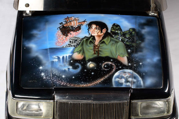 Michael-Jacksons-auction--008.jpg 585×390 pixels