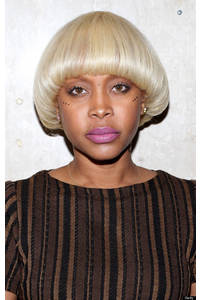 Erykah Badu Debuts Old School Hairdo, Adds To Her Collection Of Crazy Looks (PHOTOS)