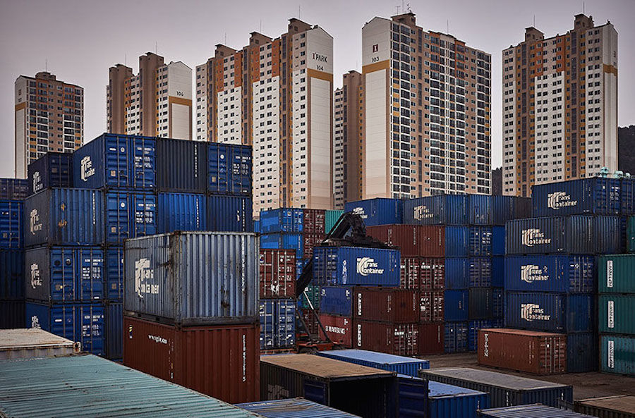Fascinating Containers in Asian Ports – Fubiz Media